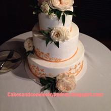 Golden Piped wedding cake.jpg