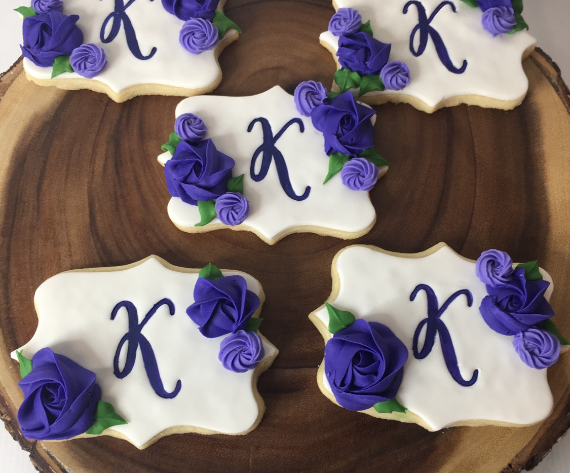 Monogram flower cookies