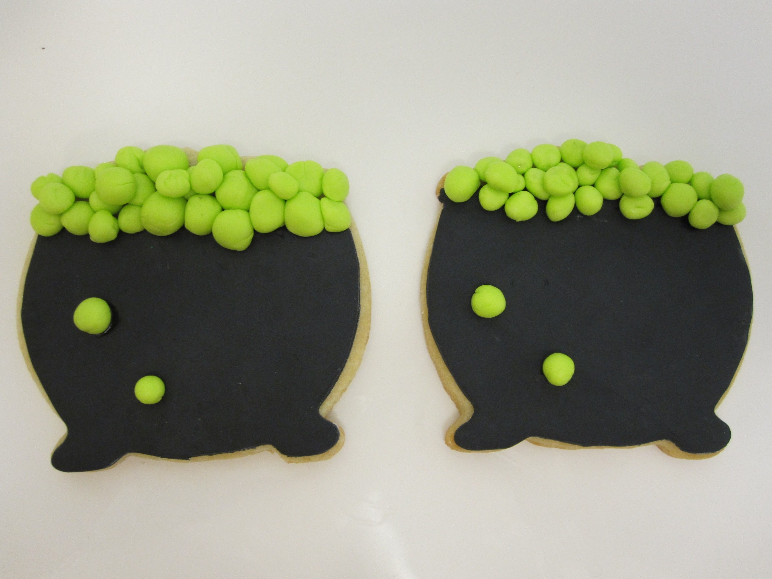 Cauldron cookies