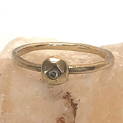 Touch Stone Ring in Gold & Diamond