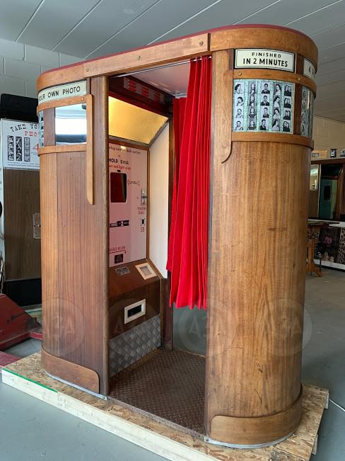 Model 9 Photobooth by Auto-Photo USA Los Angeles California