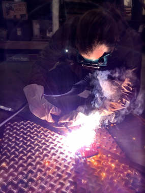 Welding a photobooth frame