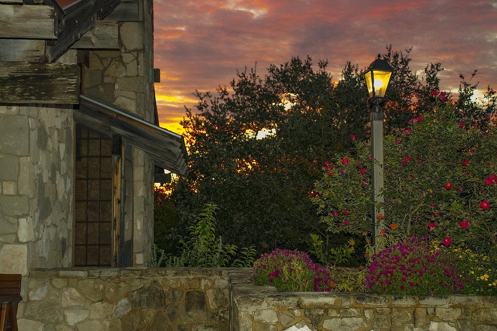 sunrise-3794043_1920.jpg