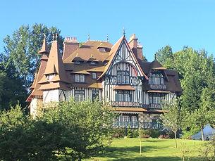 Deaiville's villa