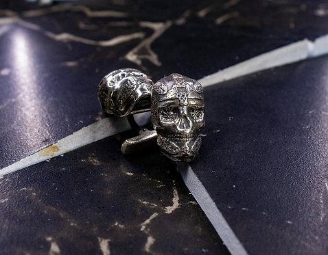 Запонки череп с рунами