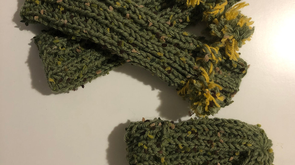 Natural wool hat and scarf green/yellow