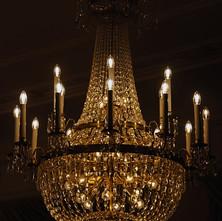 chandelier-1446670_640.jpg
