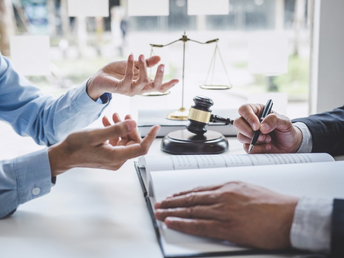 6 reasons why you need a lawyer when preparing a will.