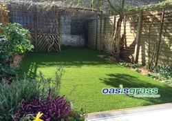artificial lawn company in earlsfield.jpg