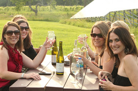 outdoor-wine-tasting-with-friends.jpg