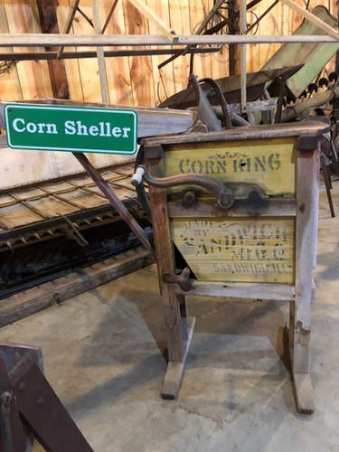 One-cob corn sheller, Vintage