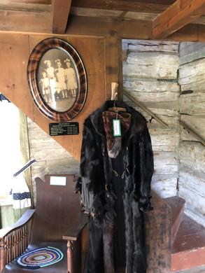 Log cabin3.jpg