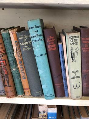 Books2.jpg
