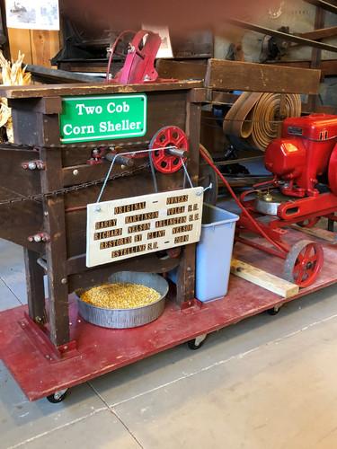 Two-cob corn sheller.jpg