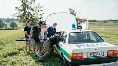 Das Polizeiauto vom Eberhofer spielt mit
