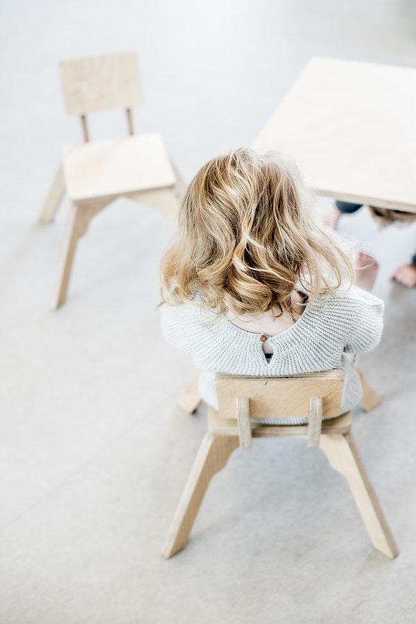 kinderstoel, kindertafel, stoel, tafel, leidsterstoel, kinderopvang meubels, kinderopvangproducten, materialen kinderdagverblijf, inrichten kinderopvang, kinderopvang inrichting ruimte, kinderopvang meubilair, kinderopvang meubel, kinderdagverblijf inrichten, creche inrichting, kinderopvang materiaal