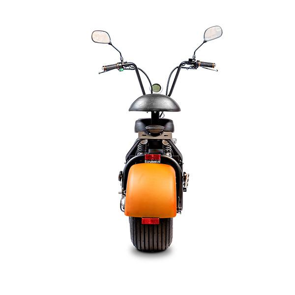 Elektrische-scooter-achterkant-oranje