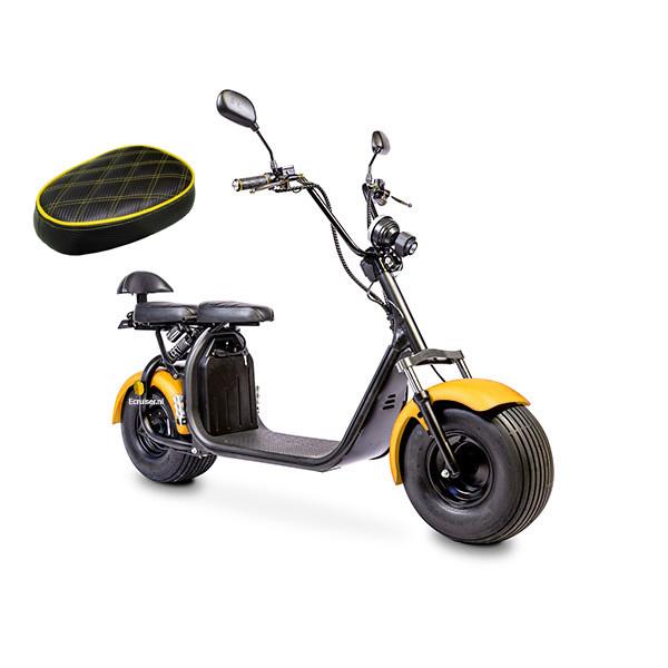 Elektrische-scooter-schuin-geelenzadel