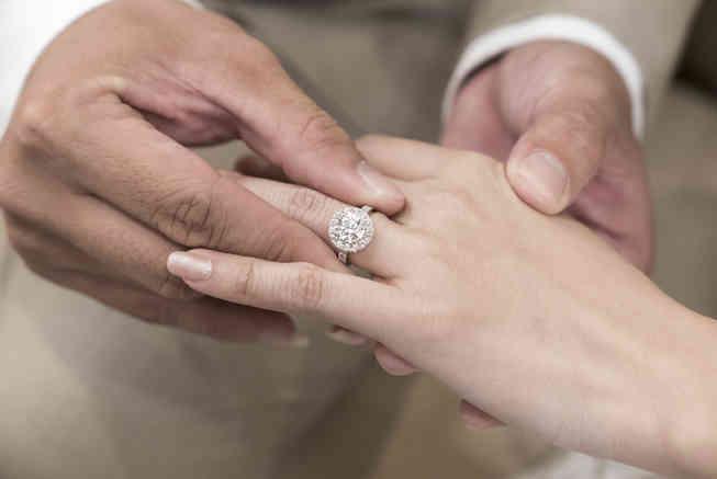 香港莫桑石鑽石戒指求婚GIA2.jpg