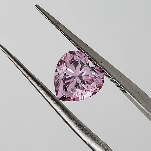Purplish pink heart-shaped moissanite 1ct