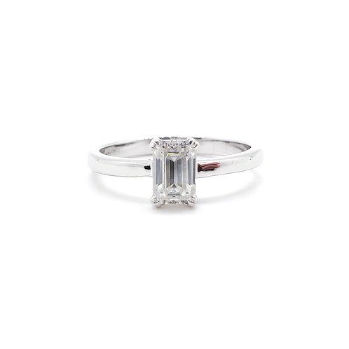 莫桑石18K戒指(0.5卡)