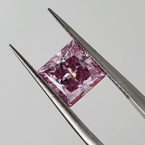 Purplish pink princess cut moissanite 1.5ct