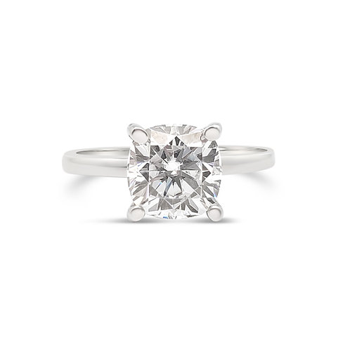 Cushion-shaped Moissanite ring 2.5cts
