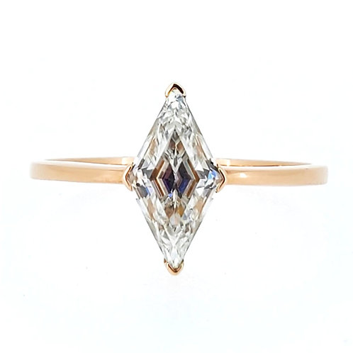 Rhombus Moissanite Ring 0.8ct