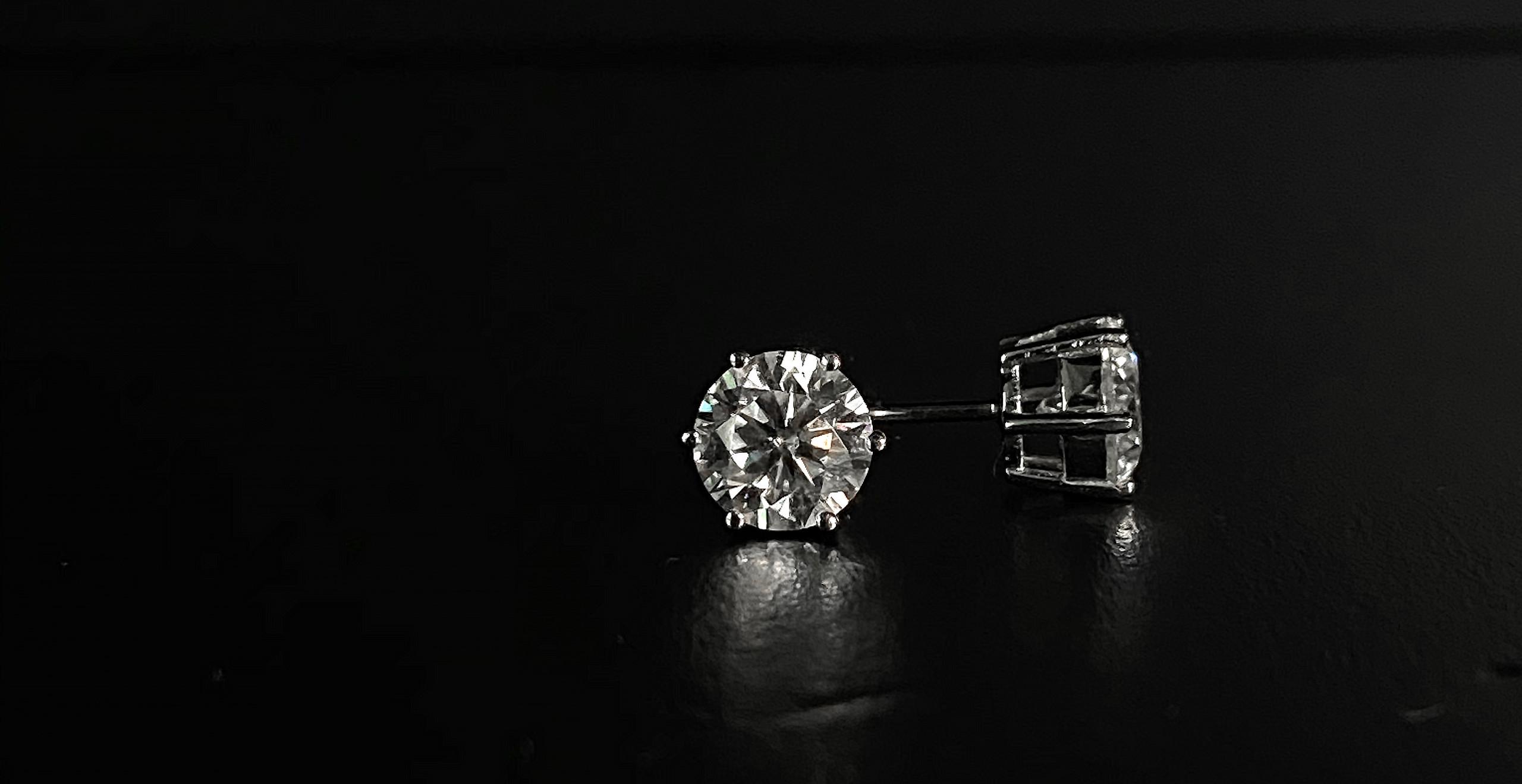 GIA莫桑石6爪耳環