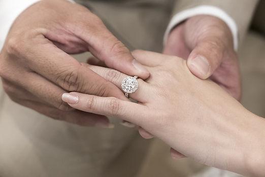 ragazza GIA莫桑石求婚戒指.jpg