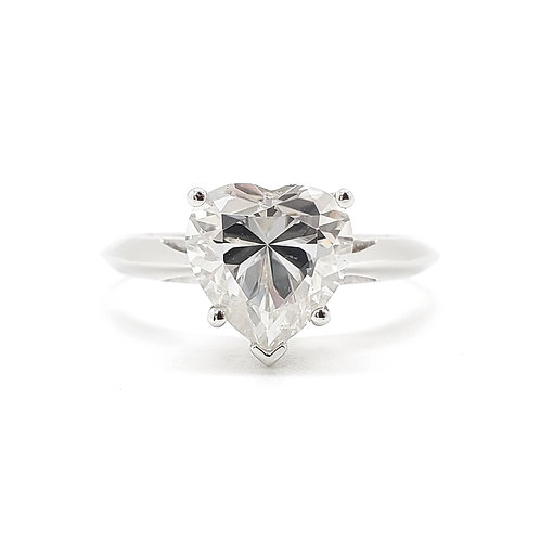 Heart shaped Moissanite ring 2cts