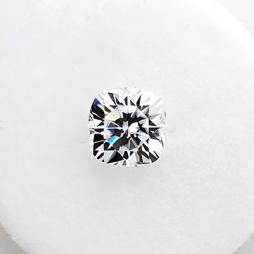Cushion-shaped Moissanite (1 to 3 cts)