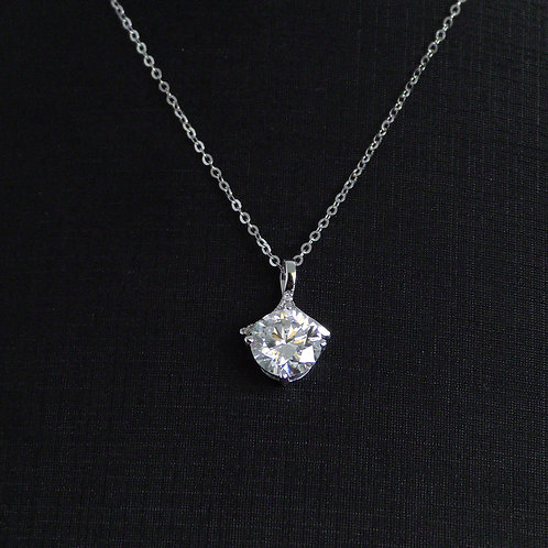 Moissanite necklace 2ctw