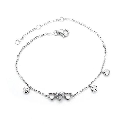Heart-shaped moissanite bracelet 0.8ctw