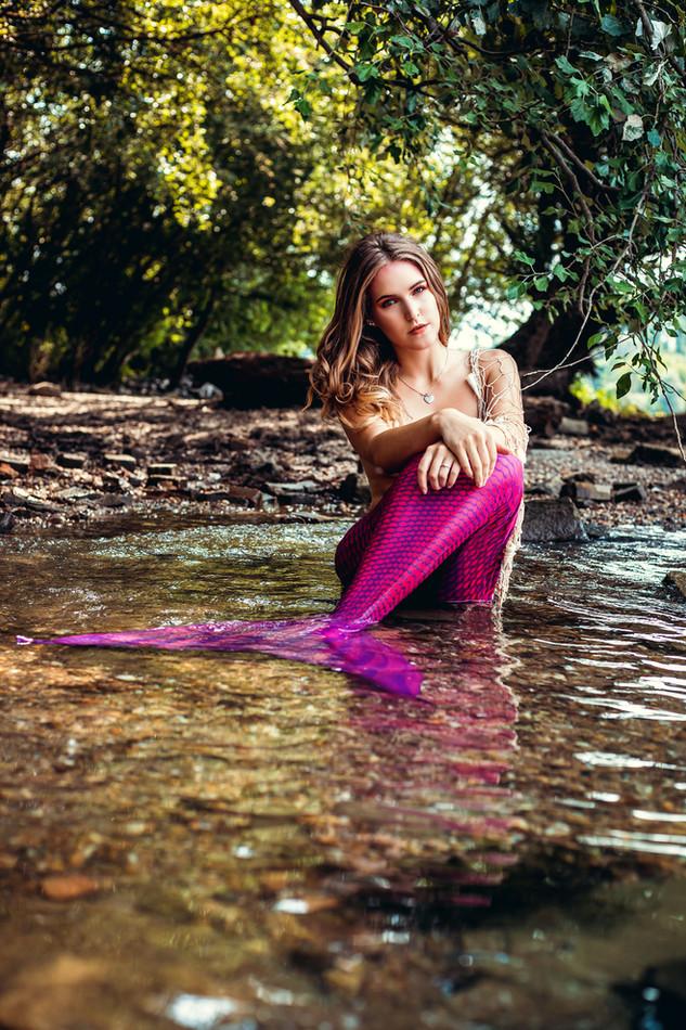Meerjungfrauenshooting mit einer passenden Meerjungfrauenflosse