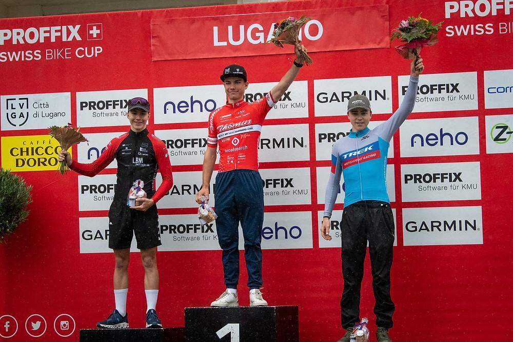 Ein tolles Erlebnis: Erstmals sind mit Flavio Knaus (links) und Romano Püntener (rechts) zwei Liechtensteiner bei einem Junioren-Rennen auf dem Podest.