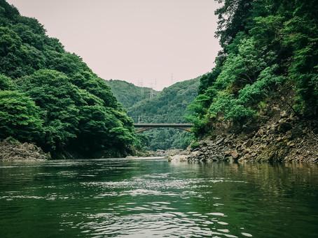 穿著浴衣乘古船~保津川遊船