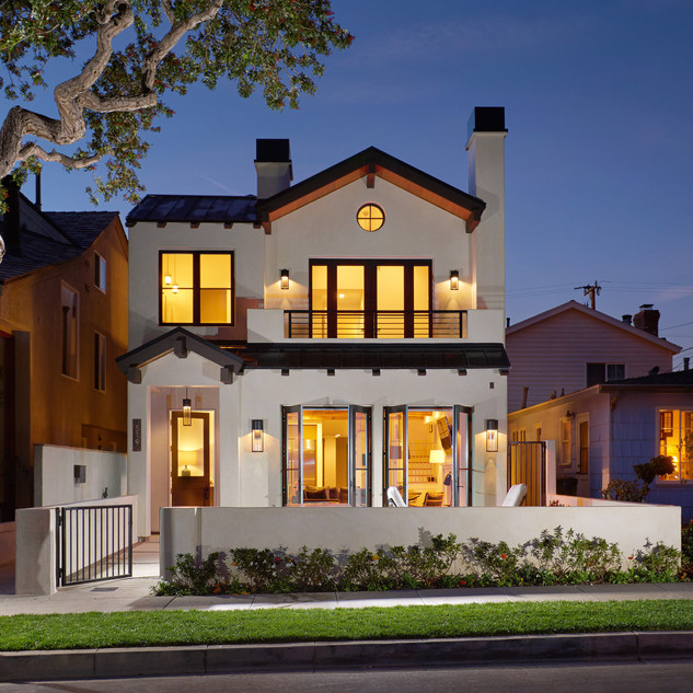 CALIFORNIA BEACH HOUSE