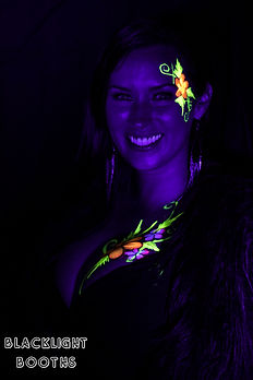 Blacklight Booths-10.jpg