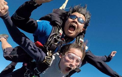 시드니 픽턴 스카이다이빙 14000피트