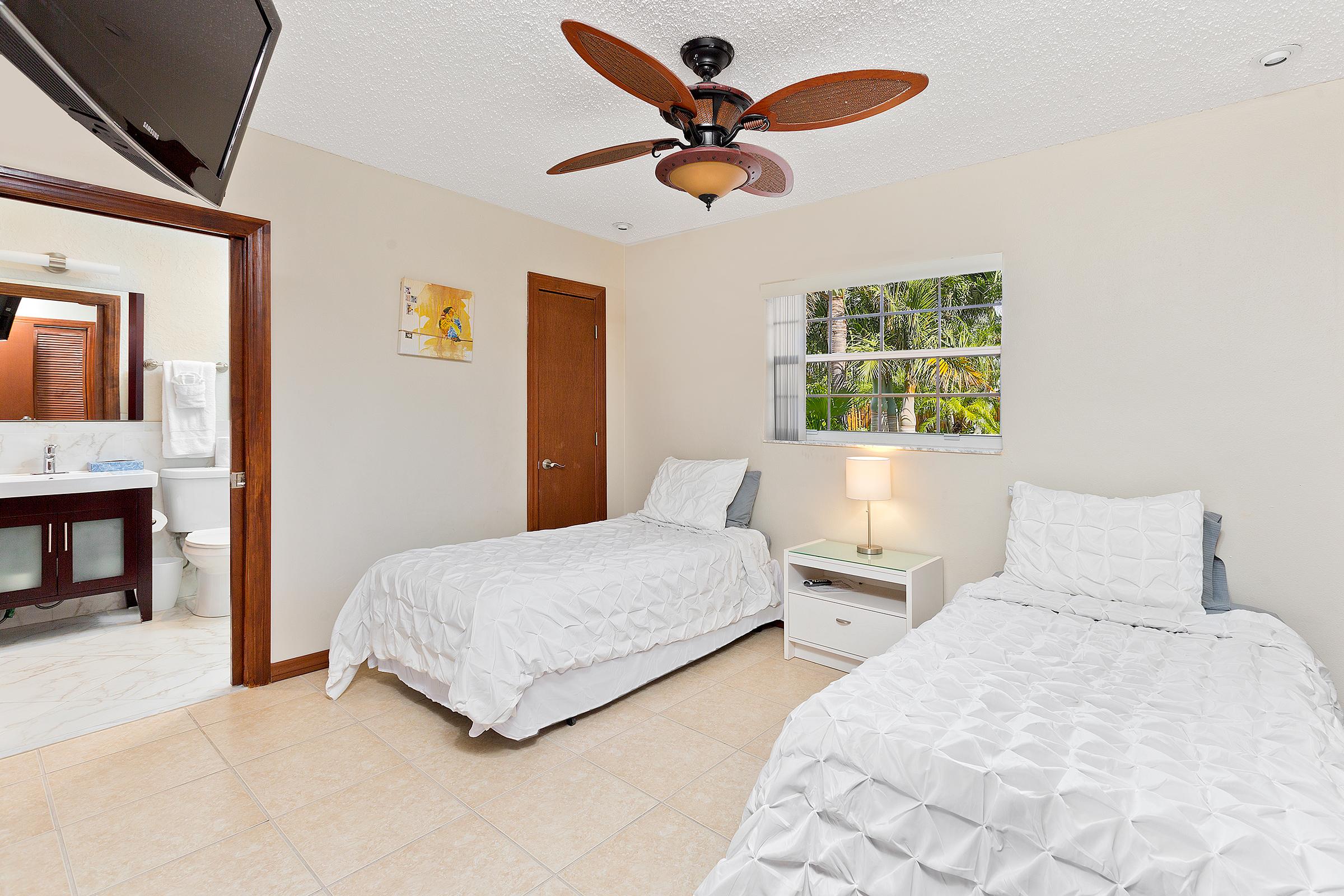 35_Bedroom2_1