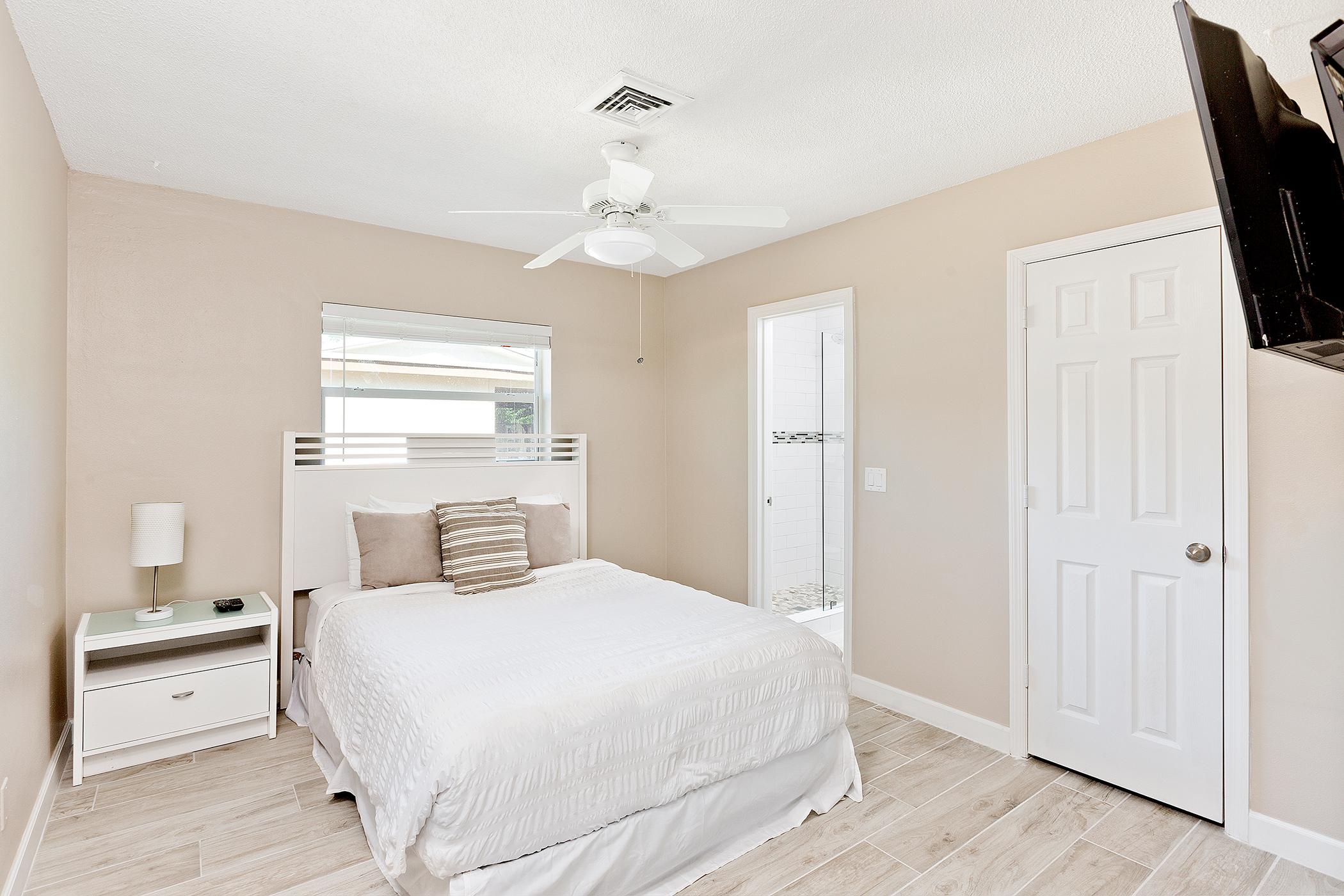 18_Bedroom2