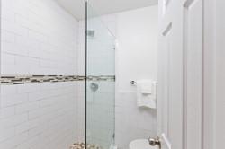 19_Bathroom3