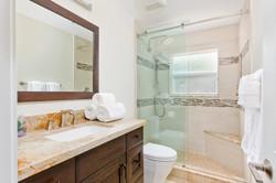 19_Bathroom2 (1)
