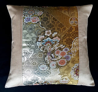 Obi-Pillow-P1026.jpg