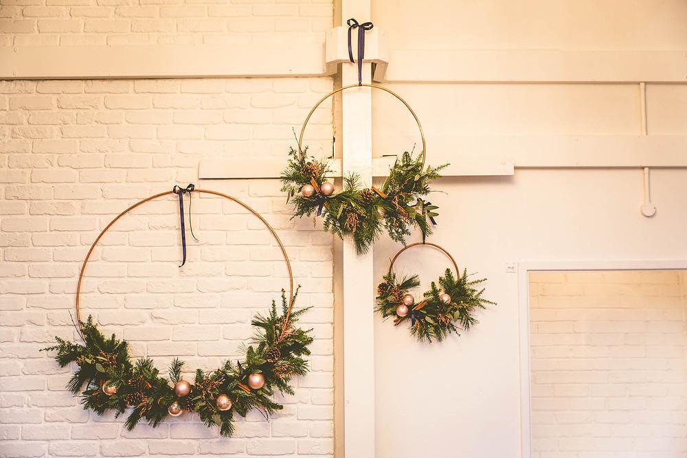 Christmassy wedding flowers