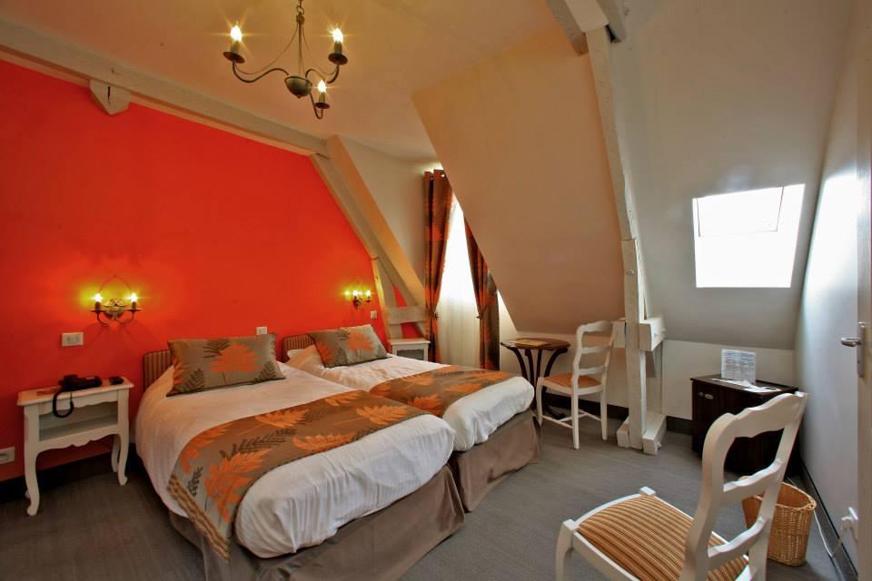 Chambre_mansardée_Orange