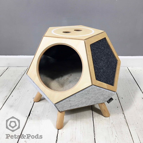 Pento (two tone) - modern cat and dog house
