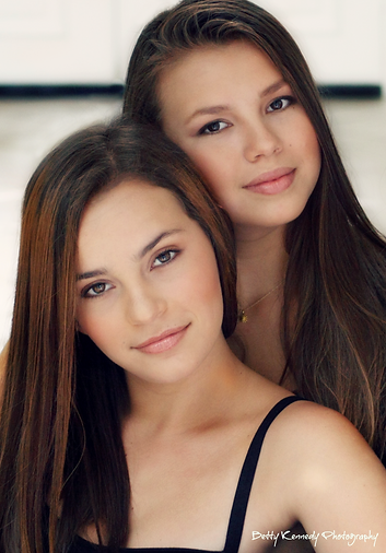 Ava:Mia TEXT double beauty .png