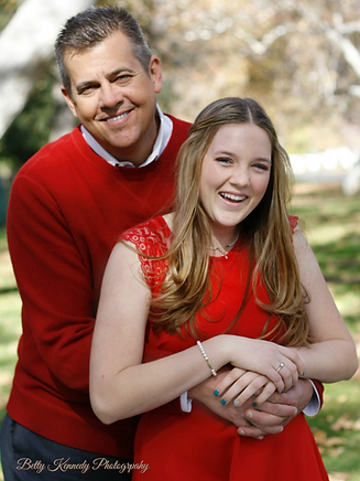 Glassen (Lasse and Gabby Christmas photos).png